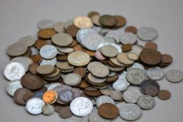 A large collection of British coinage and decimal coinage, Irish, American etc. (a lot), £20-30