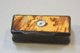 A 19thc horn and tortoiseshell mounted rectangular snuff box with inset compass to top (h. 2.5cm
