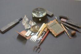 A bag containing a mixed group including a Sadelli-ware card case, large table top magnifying glass,