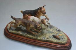 A Border Fine Arts composition group, Terrier Race, 1997, B0242 (h.14cm x l.31cm x d.14cm)