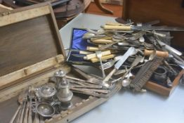 Two canteen boxes and miscellaneous odd Epns flatware including a tea strainer, fish knives and