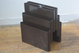 A Giotto Stoppino for Kartell 1970s brown acrylic three tier magazine rack (h.44cm x 40cm x 28cm)