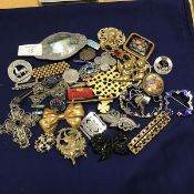 A mixed lot of silver, white metal and costume jewellery including a Maltese filigree crucifix
