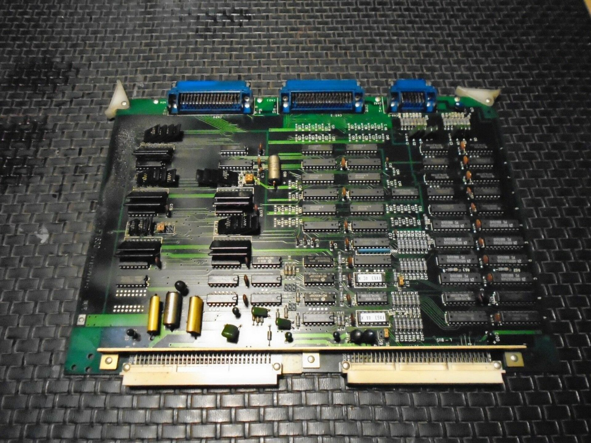 Mitsubishi BN624A546 H01 Servo Board