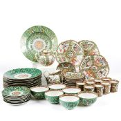 Lrg Grp Chinese Porcelain Rose Medallion & Cabbage Ware