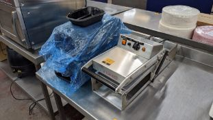 Tray top heat sealing machine plus quantity of trays