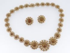 ASPREY & GARRARD OF LONDON 18CT GOLD SUNFLOWER DESIGN NECKLACE & MATCHING PAIR OF EARRINGS, the