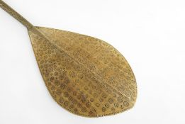 AUSTRAL ISLANDS PADDLE, French Polynesia, 114cms Condition Report: blade broken and reglued, pale
