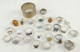ASSORTED SILVER AND WHITE METAL JEWELLERY TO INCLUDE 24 rings, cruciform pendant and silver napkin