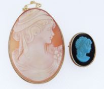 9CT GOLD CARVED CAMEO BROOCH TOGETHER WITH 9ct gold small carved onxy cameo brooch in Lynn Thomas
