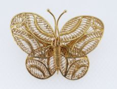 SILVER GILT FILIGREE BAR BROOCH IN THE FORM OF A BUTTERFLY, 11.1gms, in associated box