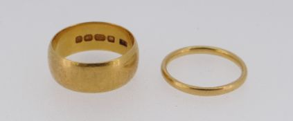 TWO 22CT GOLD WEDDING BANDS, 8.6gms, sizes J & L