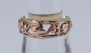 9CT CLOGAU GOLD LEAF DESIGN RING, 4.8gms