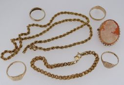 ASSORTED 9CT GOLD JEWELLERY to include four rings, engraved pendant, cameo brooch and bracelet and