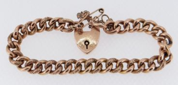 9CT GOLD CURB LINK BRACELET with heart-shaped padlock, 13.6gms