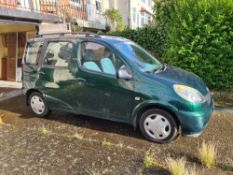 TOYOTA YARIS VERSO five door hatchback car, 1299cc, petrol, first registered April 2000, mileage