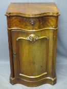 ANTIQUE MAHOGANY SERPENTINE FRONT SIDE CABINET, SINGLE FRIEZE DRAWER OVER A CUPBOARD DOOR WITH
