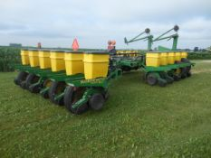 16-30 JD 1770 3 bu box planter
