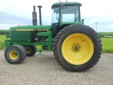 1990 JD 4955 2WD, 18.4-46 10 bolt duals, powershift, 3 valves, quick coupler, big rear weights