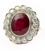 A 7,5 ct. ruby and diamonds cluster ring
