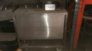 Stainless Steel Oblong Mobile Enclosed Tank, slopi