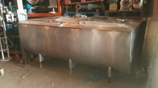 A.P.V. 1500L Dairy Tank, with stainless steel lids