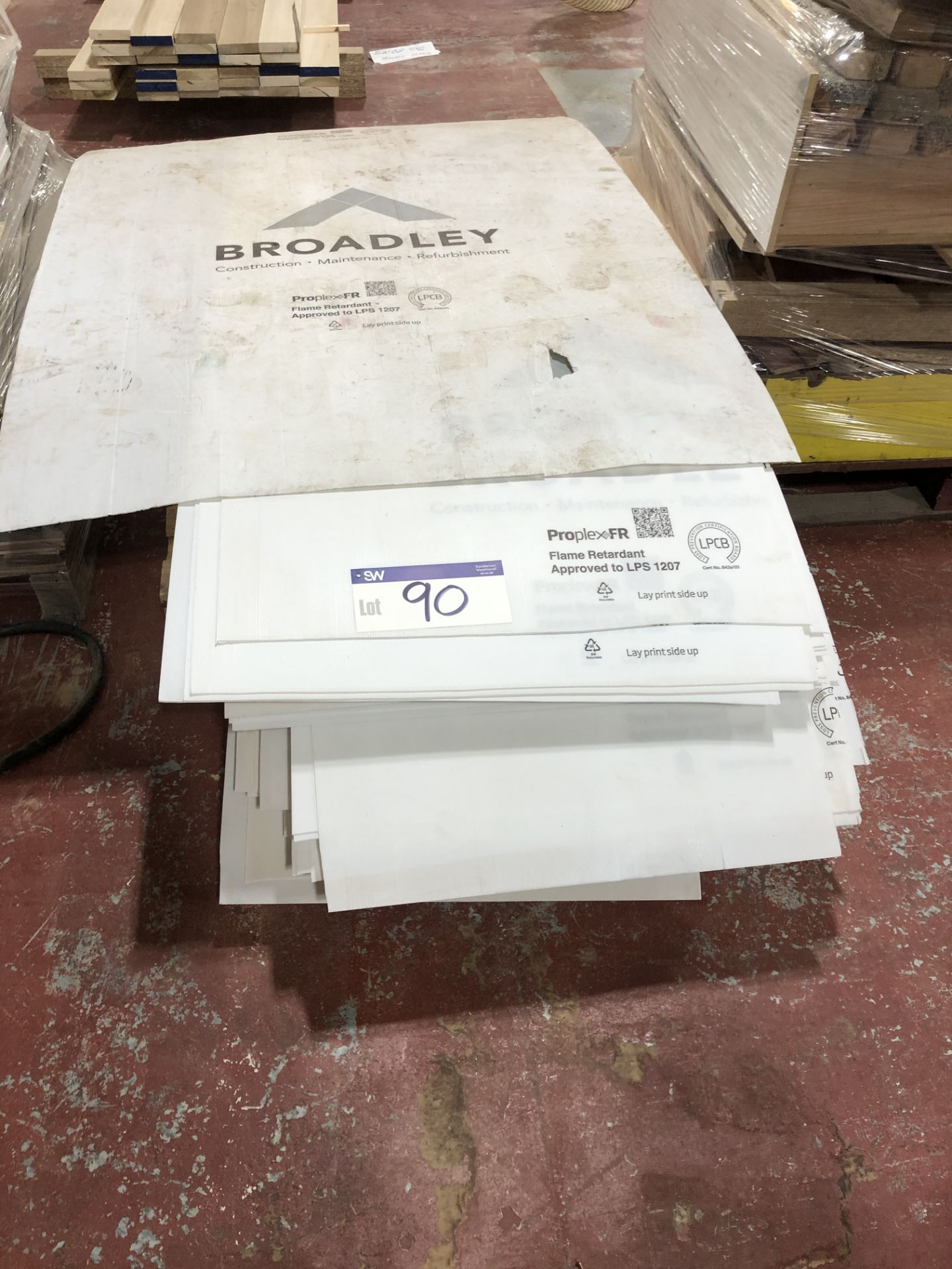 Lot 90 - Quantity of Correx Type Protection Sheets