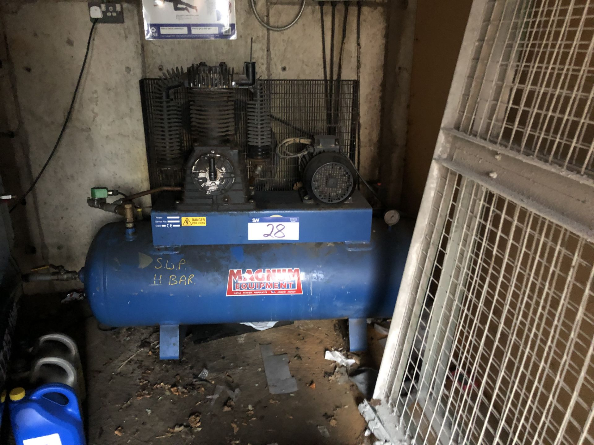 Lot 28 - Magnum SX46/250 Receiver Mounted Air Compressor. Serial Number 15155. Year of Manufacture 1997