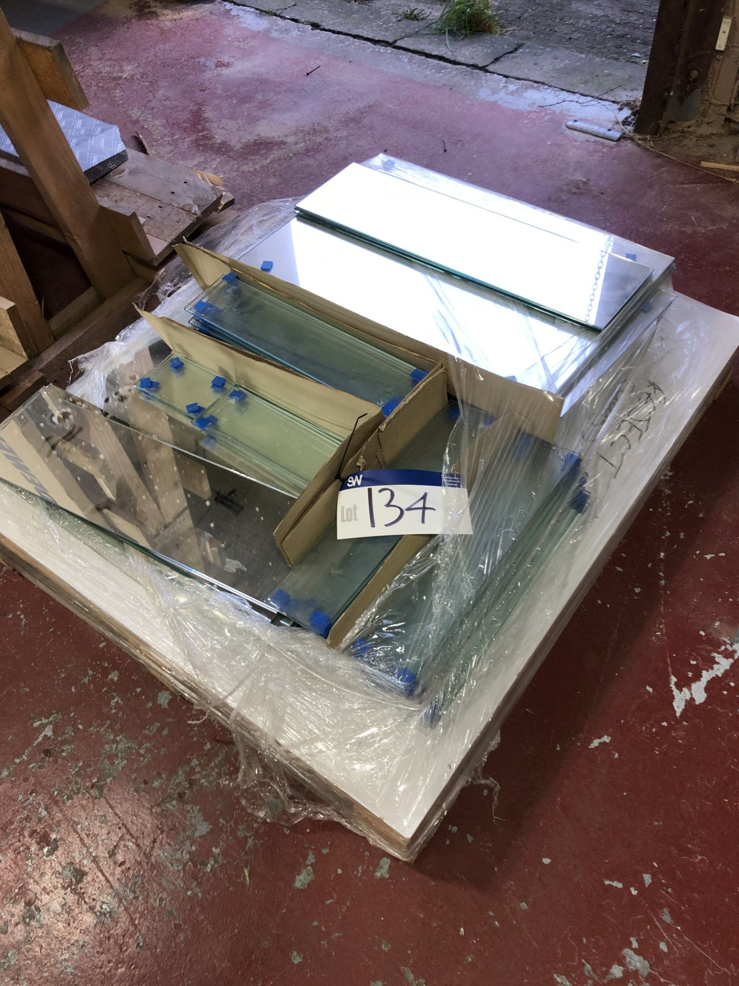 Lot 134 - Various Sheets of Glass