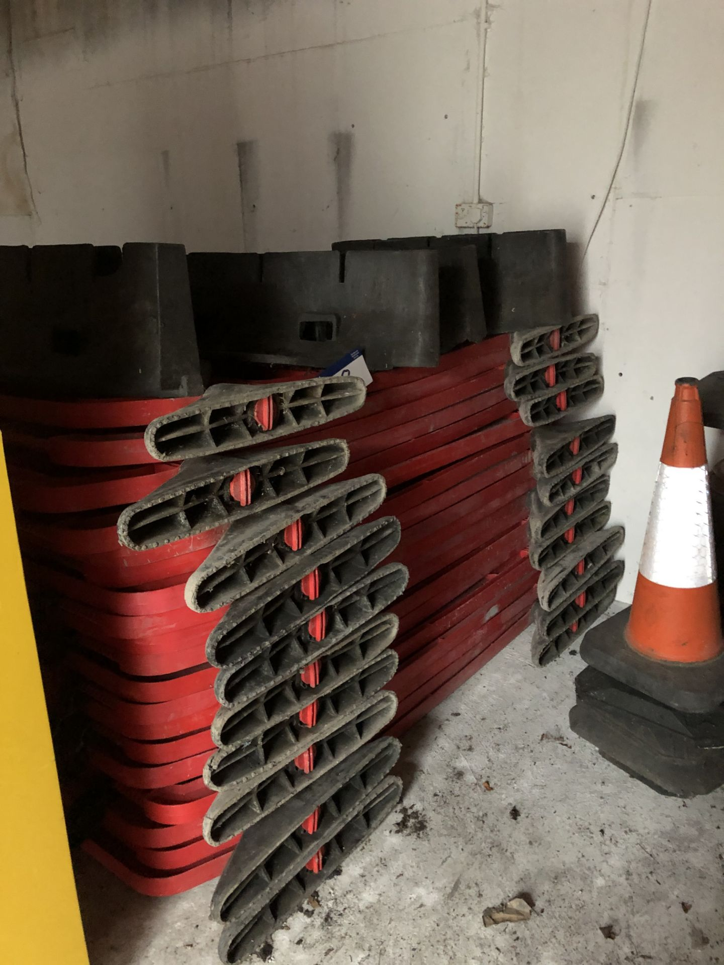 Lot 48 - 19 Sections of Interlocking Plastic Barrier