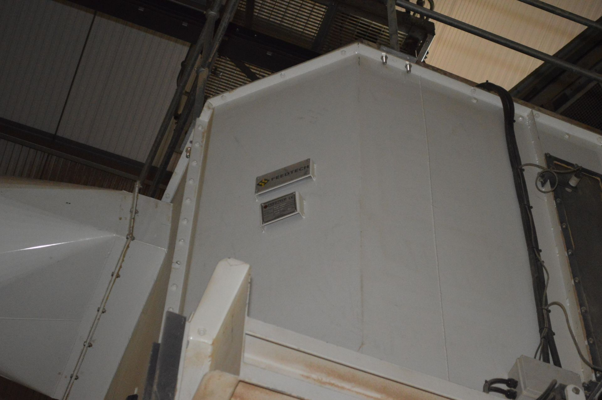 Lot 19 - Feedtech STEEL CASED COUNTERFLOW BOX COOLER, approx. 2.6m x 2.6m x 1.9 m deep-on-casing, with