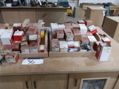 Quantity of Screws, as set out on bench (LOT LOCAT