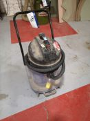 Industrial Vacuum, 110V (LOT LOCATED AT 8 WHITEHOU