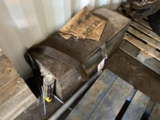 Staffa Hydraulic Bending Machine, with steel chest