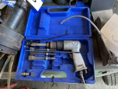 Sealey SA12/S.V3 Pneumatic Chisel, with carry case