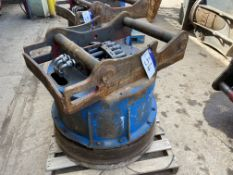 Dynaset Hydraulic Magnet, serial no. 38/13, (under
