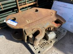 Tefra Quickhitch, to take Volvo EC700, 110mm pins