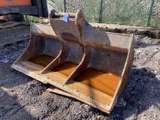 2.4m wide Ditching Bucket, serial no. 40/20, 80mm