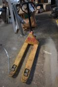 Hand Hydraulic Pallet Truck, approx. 1140 x 530mm on forks