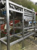 Kiremko SCROLL GRADER, with vibratory infeed, approx. 500 mm wide, feeding into two lanes scroll and