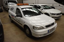 Vauxhall ASTA ENVOY DTI CAR DERIVED VAN, registrat