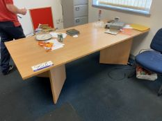 Light Oak Veneered Desk (lot located at Briscoe Lane, Newton Heath, Manchester, M40 2NL)