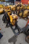 Mobile Frag Sales MF. HYDRAULIC RAIL CROPPER, serial no. 107, year of manufacture 2001, with steel