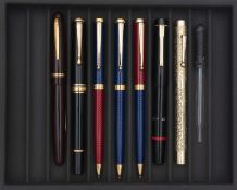 LOT DE SEPT STYLOS ET UN COMPTE-GOUTTE, BAYARD, stylo plume des années 50 en celluloïd bordeaux,