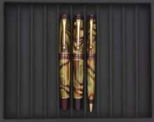 AURORA, Asia, Lot de trois stylos Stylo plume série spéciale Continents numérotée (n°4138) sur la