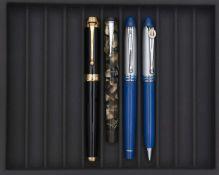 AURORA, Lot de quatre stylos Stylo plume Talentum de forme tubulaire en résine noire, attributs