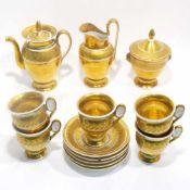 Kaffeeservice, 13tlg.Empirestil. Ovoide Form auf Rundfuß. Vergoldet, mit Lorbeerrankendekor. In