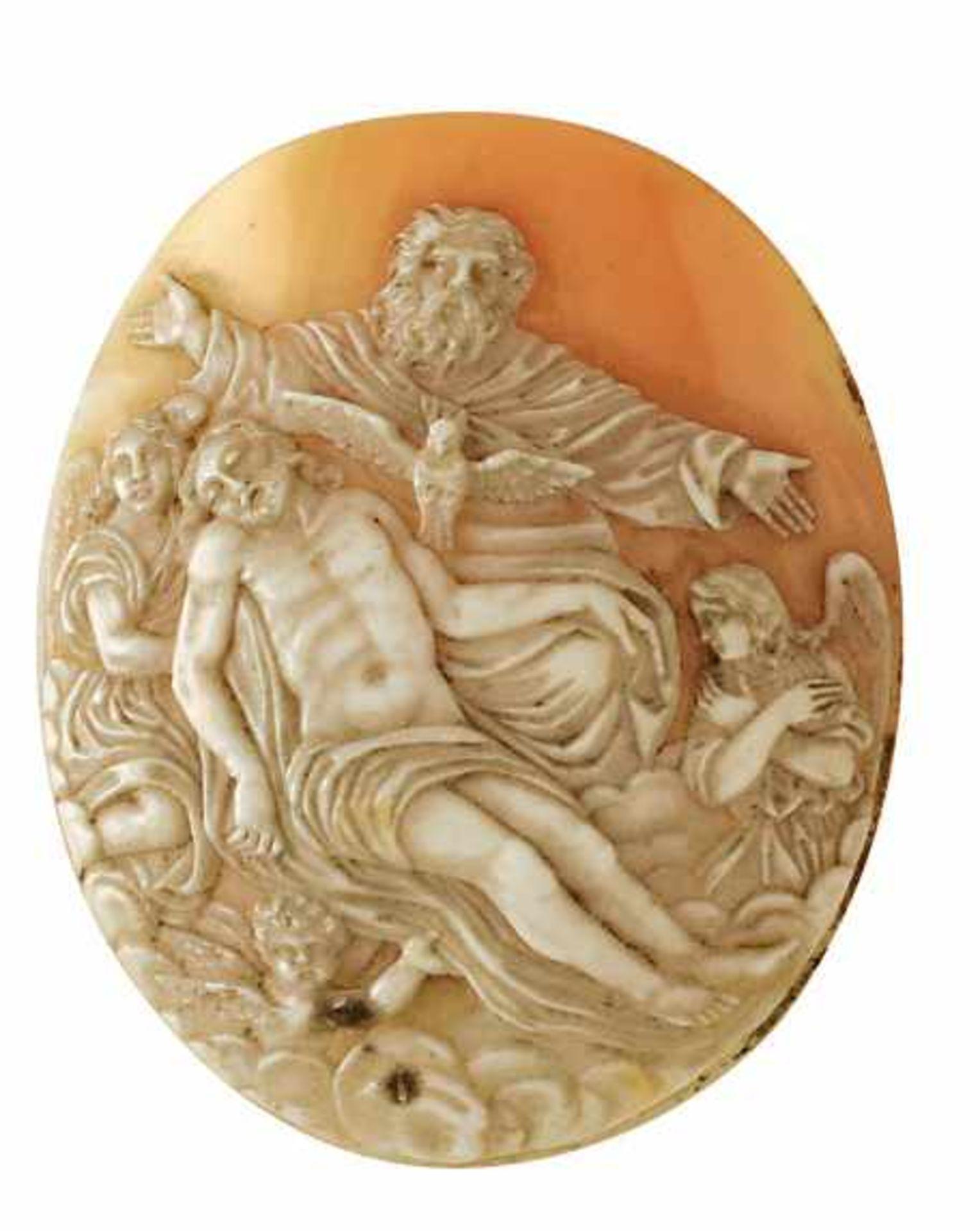 Muschel-Kamee1. Hälfte 20. Jh. Hochovale, gewölbte Form mit detaillierter Darstellung der heiligen