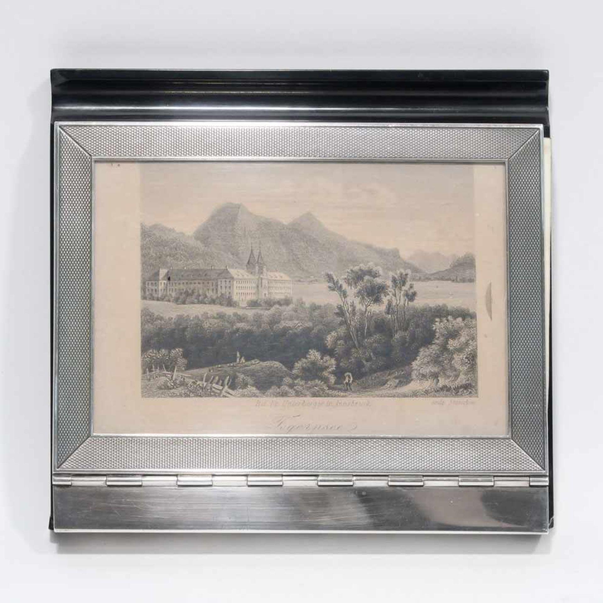 Los 27 - NotizblockhalterSilber, Bakelit u.a. Platte aus schwarzem Bakelit mit Stiftablage, Scharnierdeckel