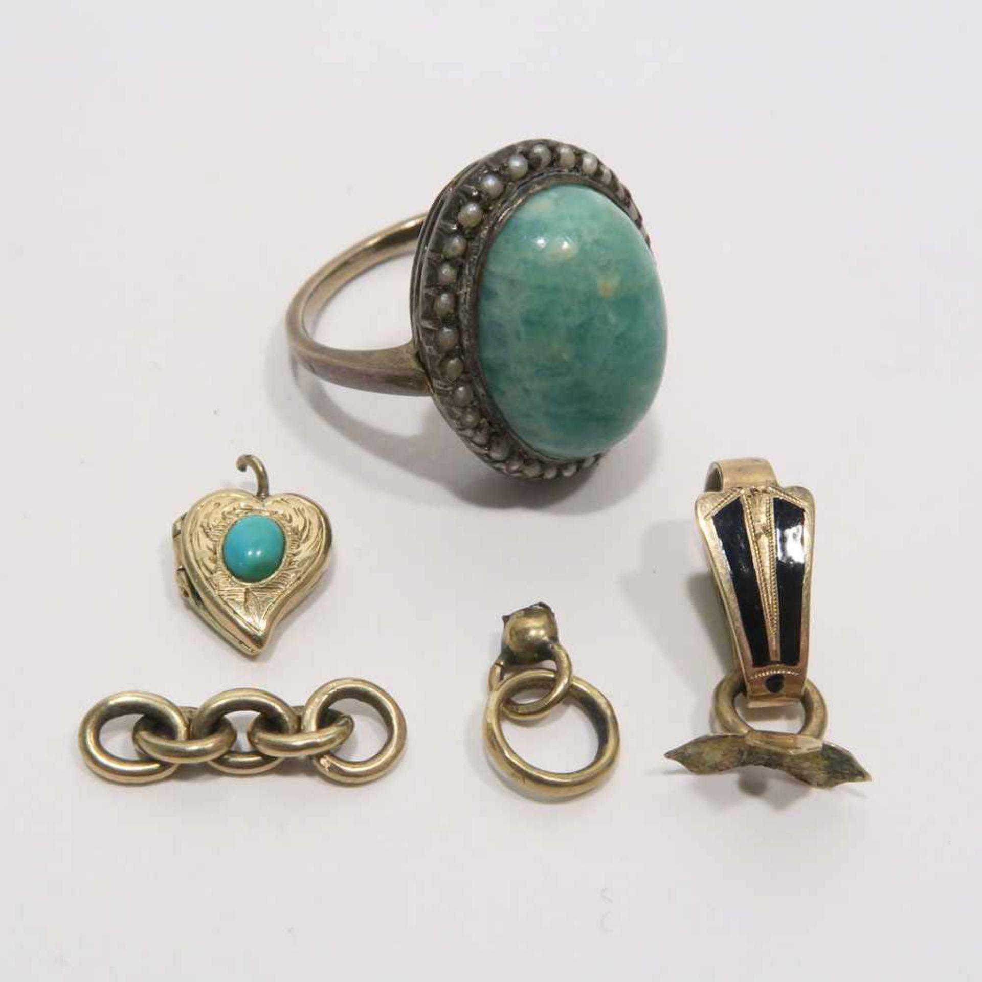Konvolut Goldschmuck, 5tlg.14 K GG, tlw. Marke (585, geprüft). Ring mit Amazonit-Cabochon und